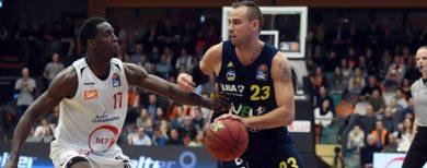 Basketball-Bundesliga : Alba Berlin siegt 80:69 bei Rasta Vechta