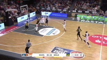 ALBA holt in Vechta ohne Center den achten BBL-Sieg in Serie