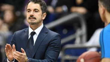 Alba-Trainer Ahmet Caki hadert mit den Dreier-Schützen
