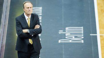 Holt Alba die spanische Trainer-Legende Aito?
