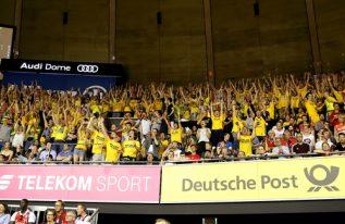 700 ALBA-Fans feiern ihr Team beim fünften Finale in München
