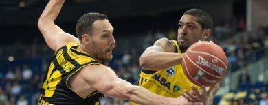 Basketball-Bundesliga Alba Berlin siegt knapp