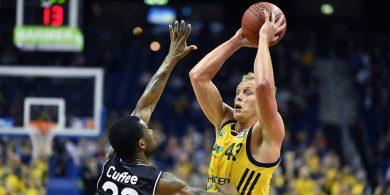 Alba Berlin Die Basketballer besiegen Crailsheim und treffen im Pokal auf die Bayern