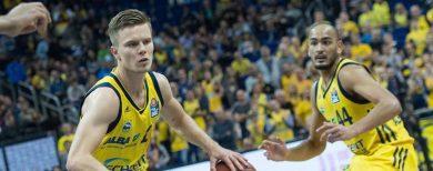 Basketball Alba Berlin siegt und bangt um Martin Hermannsson