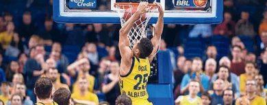 Basketball-Bundesliga Alba Berlin schlägt Frankfurt Skyliners